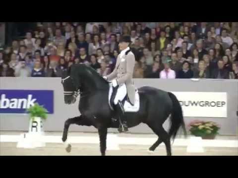 Moorlands Totilas - Dancing horse (Uptown funk)
