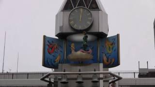 船橋駅ひろばにあるからくり時計です。 毎正時ごとに親指姫と人魚姫のか...