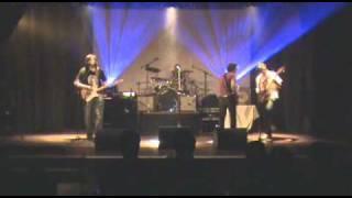 """La Yumba rock - """"Sobre la tierra"""""""