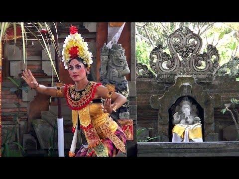 Balinese Barong Dance Show in Batubulan HD