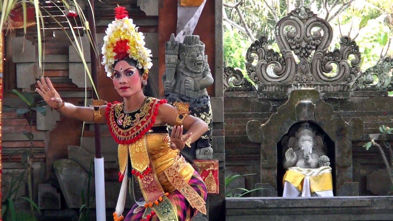 balinese barong dance show in batubulan hd youtube balinese barong dance show in batubulan hd