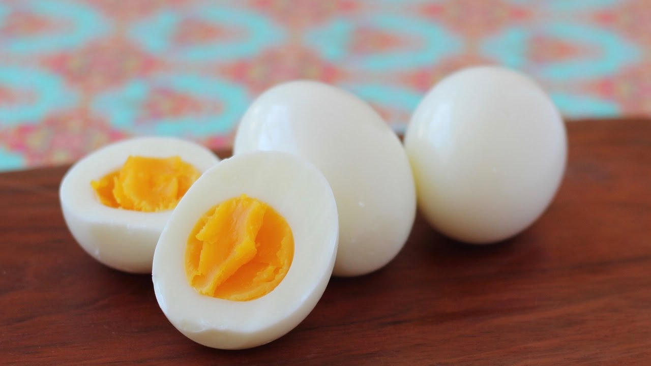 Hard Boiled Eggs (easy To Peel And Tender)