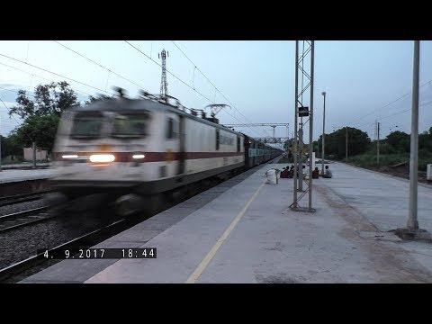 Twilight Show   TKD WAP7 with Hazrat Nizamuddin - Jabalpur SF Express at Speed   Indian Railways