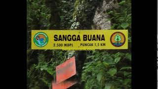 Azimat Sakral Makam Gunung Sangga Buana