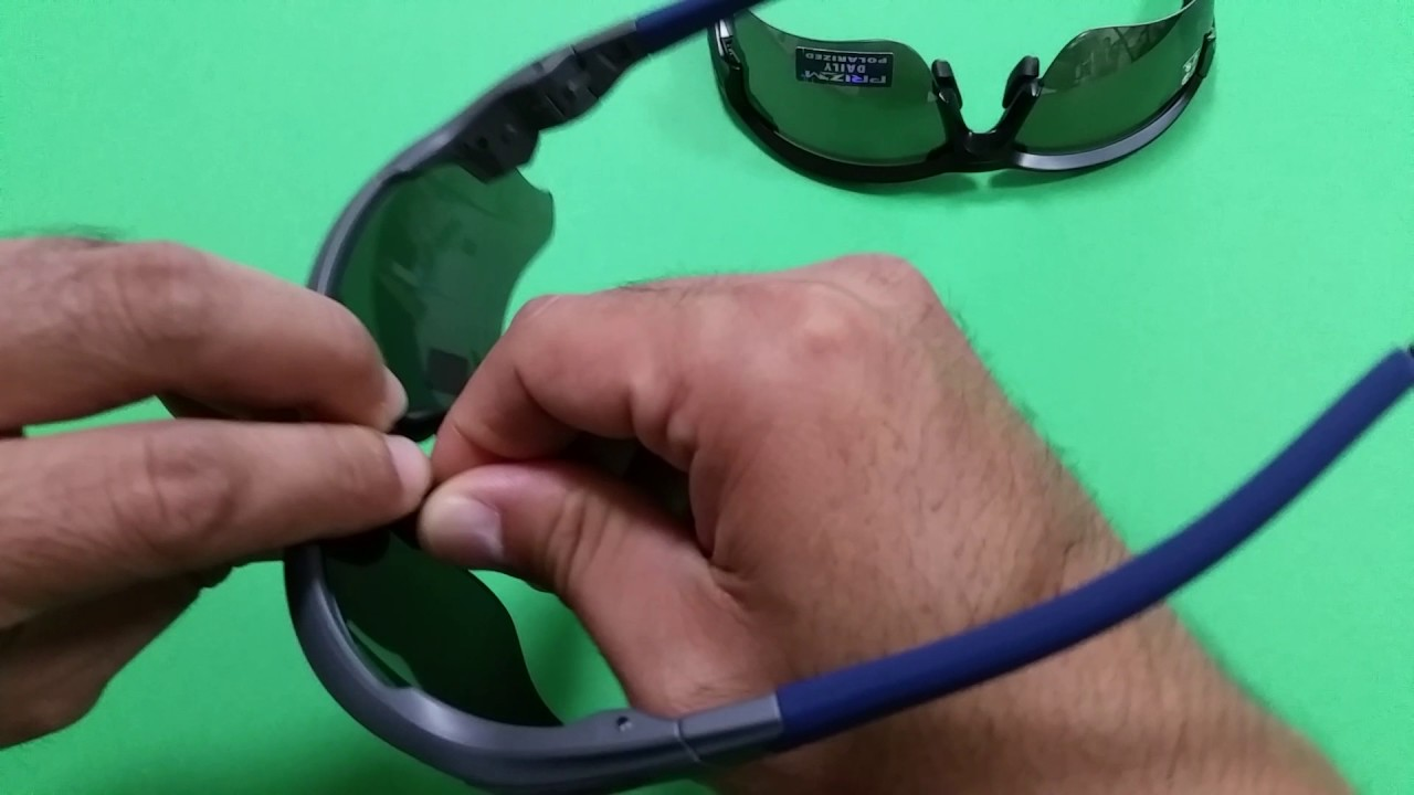 2ed37b7838f68 Oakley Flak Draft Standard Fit vs Asia Fit - YouTube