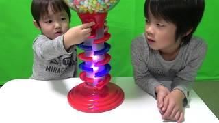 ガムボールマシーンで英語の色♫Learn Colors with Gumball Candy for  kids Song Nursery Rhymes thumbnail