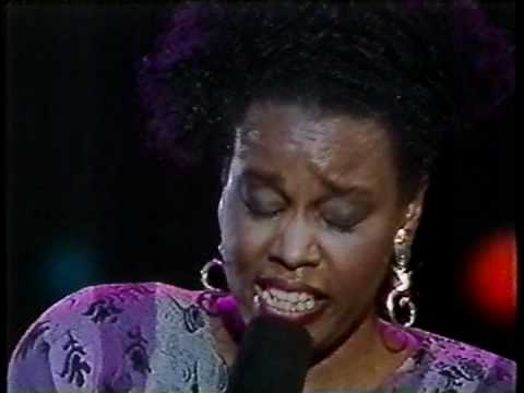 Dianne Reeves - I've Got It Bad and That Ain't Good