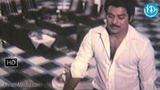 Donga Mogudu Movie - Chiranjeevi, Madhavi Emotional Scene