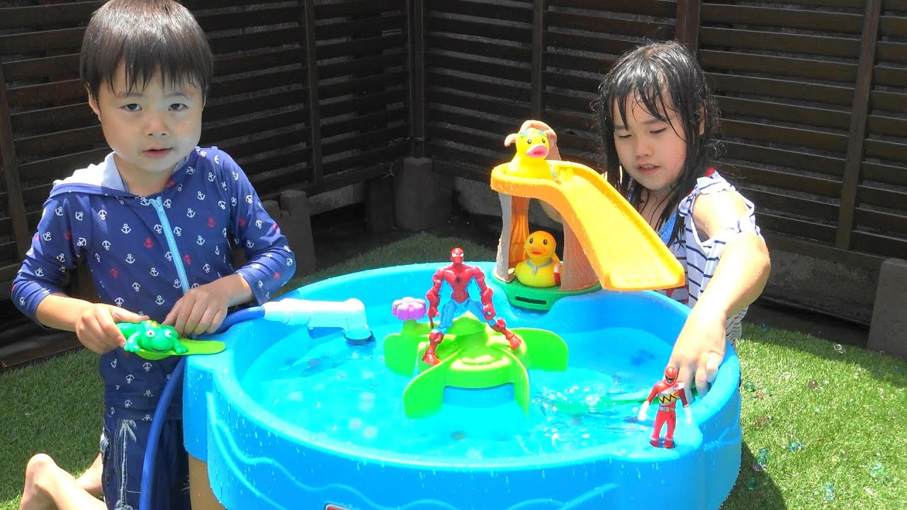 Water table Toy Playing in the water ウォーターテーブル 水遊び プール おもちゃ こうくんねみちゃん