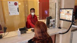 Novara, il vaccino si prenota nelle biglietterie dei teatri
