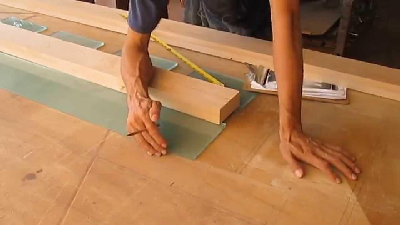Carpinter a como hacer puerta principal moderna sencilla - Como barnizar una puerta de madera ...