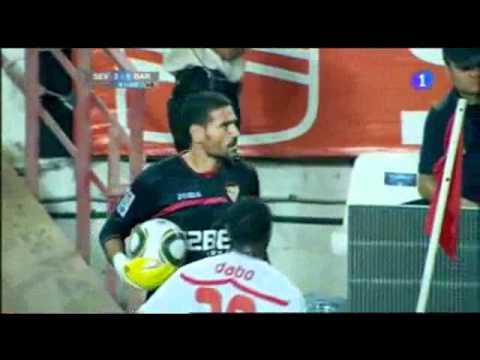 Video- Pha ăn vạ hài hước của thủ môn Sevilla.flv