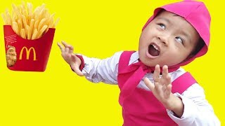 MASHA BERNIUKAS VAIKAI VAIKAMS #JOHNNYJOHNNYIGENPAPI - kinderlieder und lernen farben #216