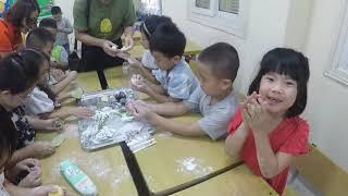 Lớp 1C Tiểu học Thăng Long làm bánh trung thu 2019