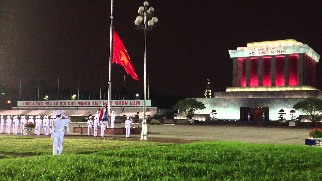 Lễ hạ cờ tại quảng trường Ba Đình lúc 9h tối