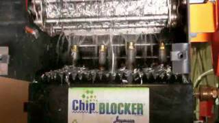 How to Clean Chips from Conveyor Belt with the ChipBlocker®
