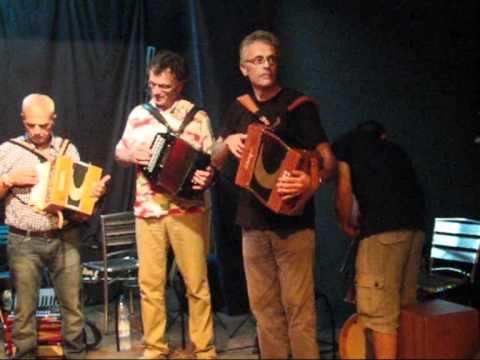 Festa a bballu esibizione dei corsi di fisarmonica - Tavola posizioni flauto traverso ...