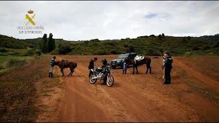 La Guardia Civil detiene a tres personas montadas a caballo