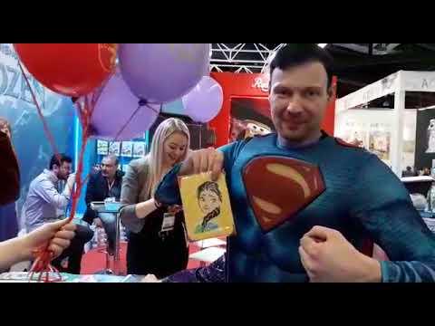 Superman Batman Ve Joker Almanyada Nurnberg Oyuncak Fuarında Kum