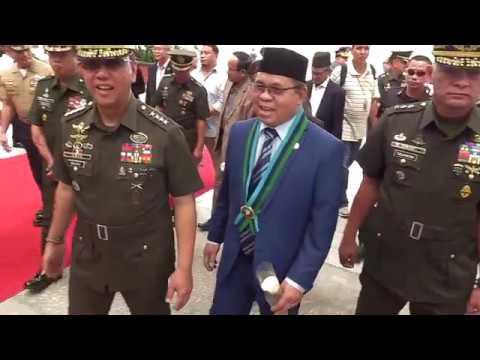 AFP Chief Galvez, officers welcomes MILF Chairman Ebrahim at Camp Aguinaldo