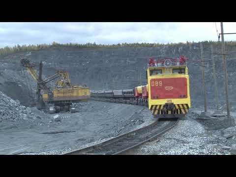 Новый электровоз на ЕВРАЗ КГОКе