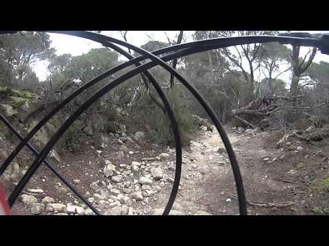 Descens btt la roca del vall s youtube - Piscina la roca del valles ...