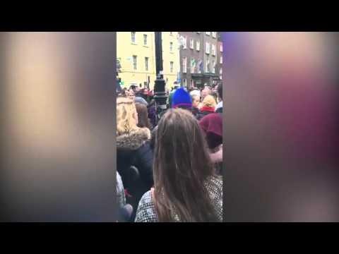 Attaques de Paris : un rassemblement spontané à Dublin