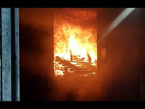 Brandcontainer FF-Suben Heißausbildung in einem mit Holz befeuerten Brandcontainer!