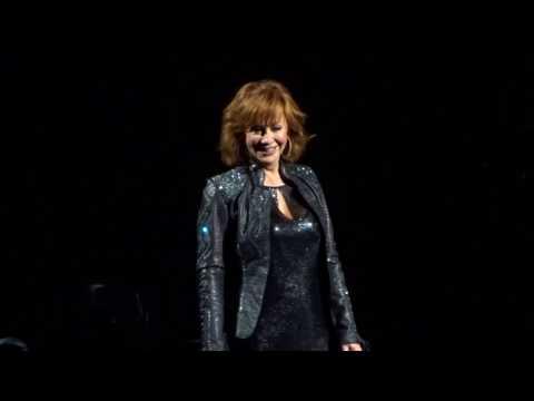 Reba McEntire - I'm A Survivor 2/25/17 Las Vegas