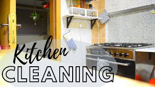 Kitchen Cleaning & Arrangements
