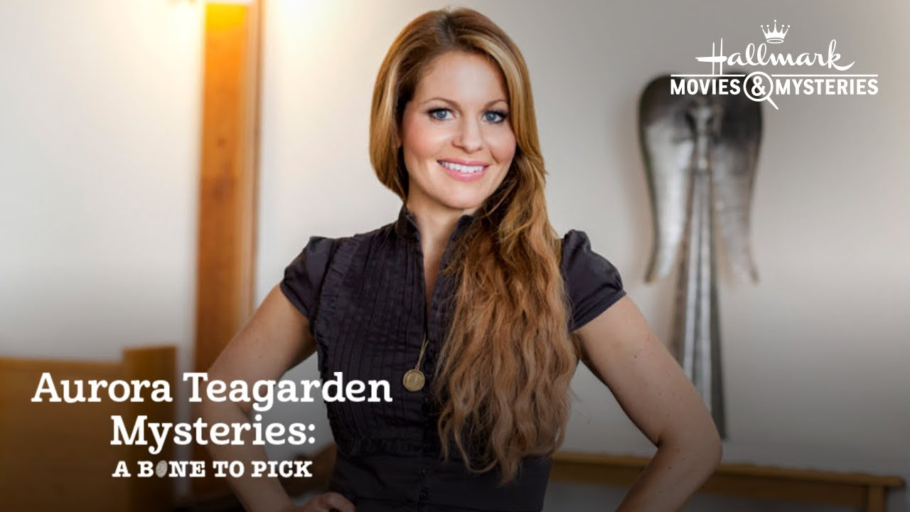 A Bone to Pick (An Aurora Teagarden Mystery)