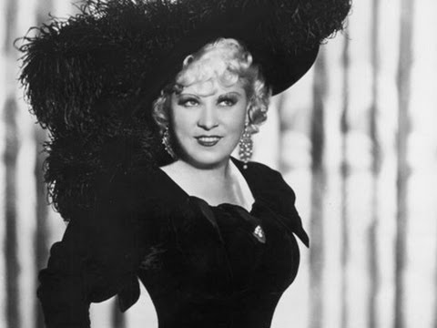 Mae West speaking at UCLA 5/12/1971