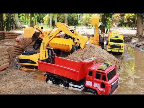 รถแม็คโครตักทรายกลางน้ำ รถตักดิน รถดั้ม บรรทุกทุกทราย Construction Vehicles With Small Car