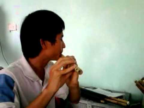 Chim trắng mồ côi -sáo trúc Cao Trí Minh.mp4