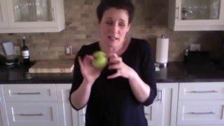#Momday - Mom Makes Crappy Lunch - Dina Pino