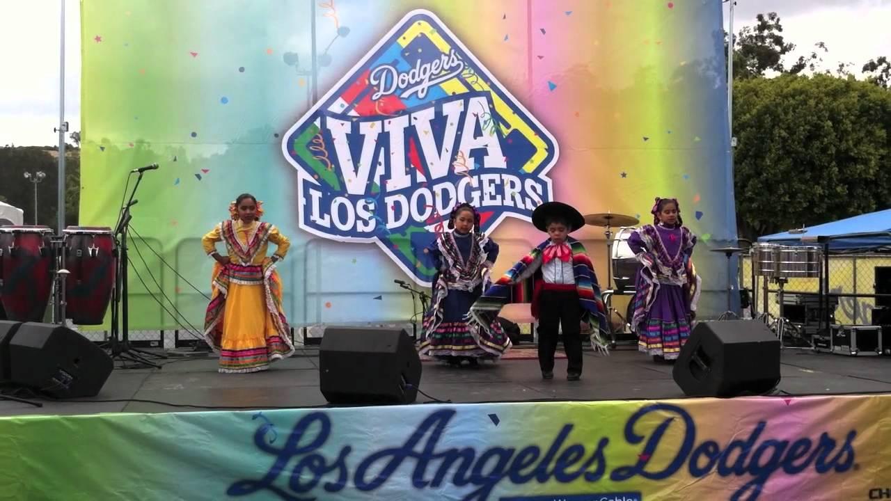 Viva Los Dodgers - YouTube