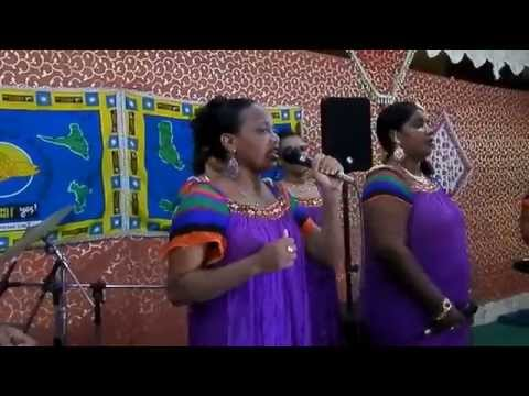 "Troundra Tamou de Domoni "" Mahaba Na Lada Soilih & Ilham"