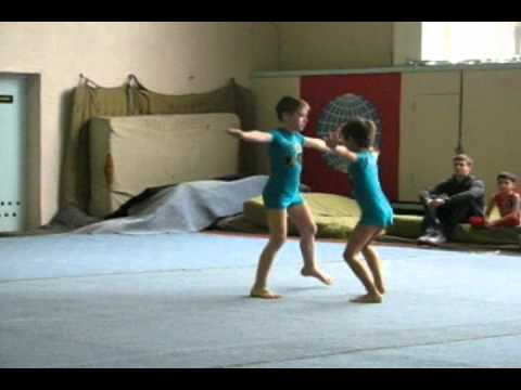 Фото с парной акробатики дети
