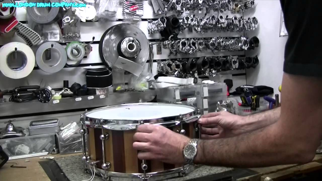 drum tuning tips head changing guide with drum tech simon jayes youtube. Black Bedroom Furniture Sets. Home Design Ideas