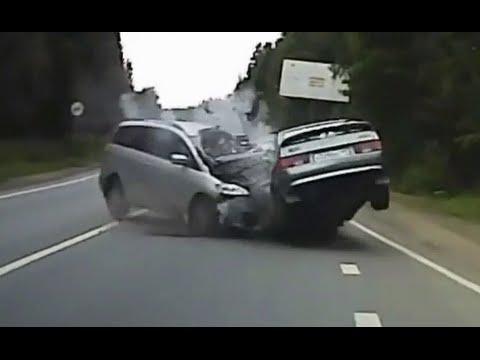 Brutal Car Accidents 9