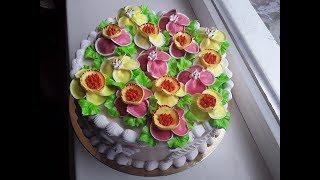 Торт  с нежными цветочками