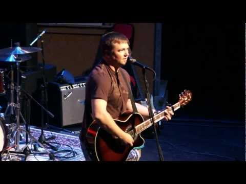 Edwin McCain performing