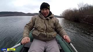 Ловля плотви зимою з лодки на Дністрі