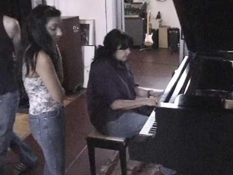 Chulz & Martha Davis Singing in L.A. With Clint Walsh on Guitar