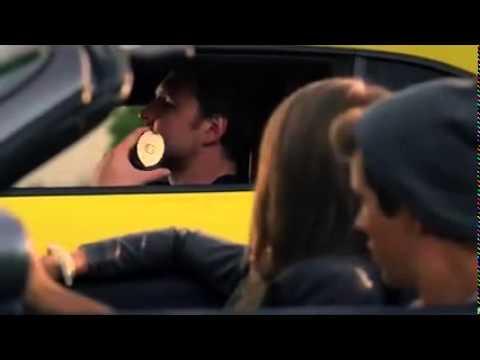 Porsche kid wants to street race against Camaro on traffic light - undercover police man