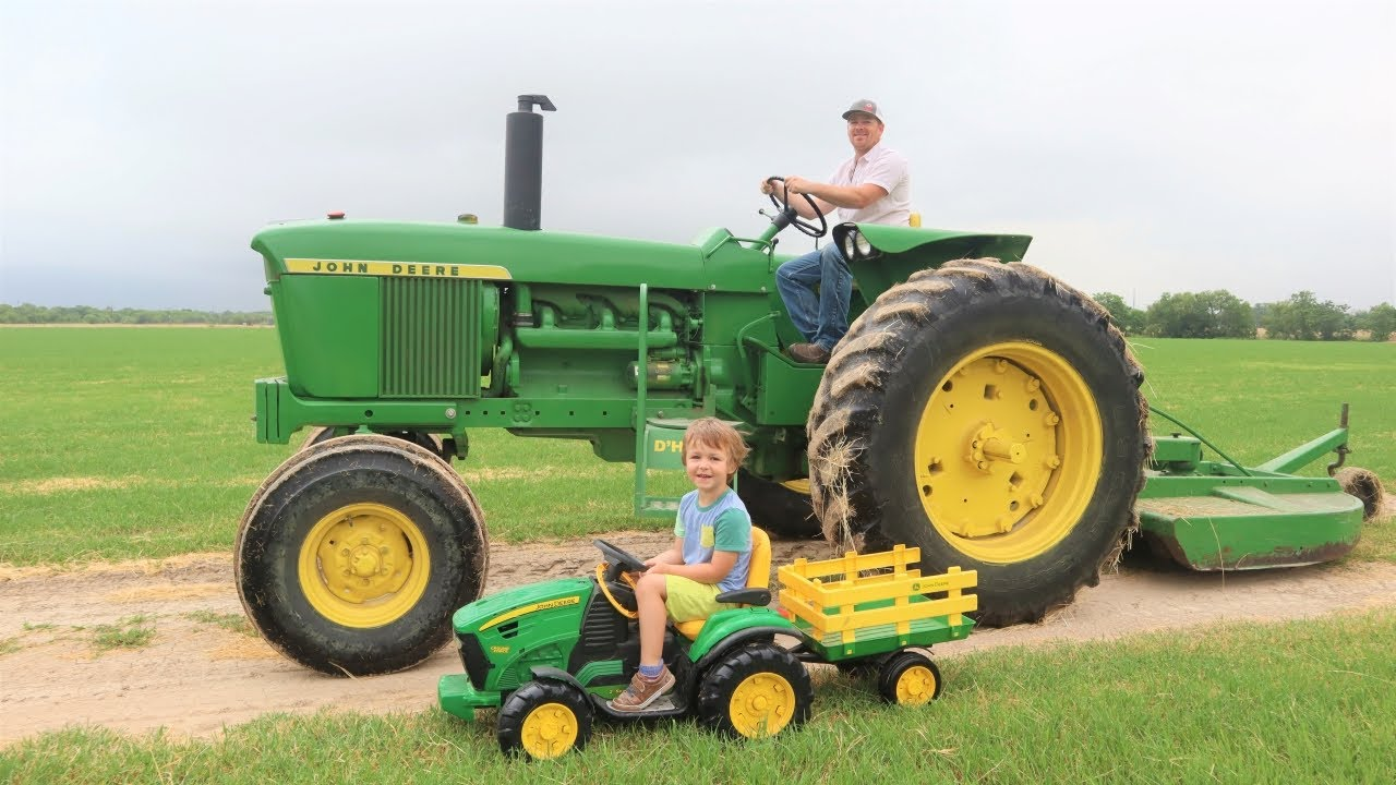A day working on the farm for kids | Tractors for children
