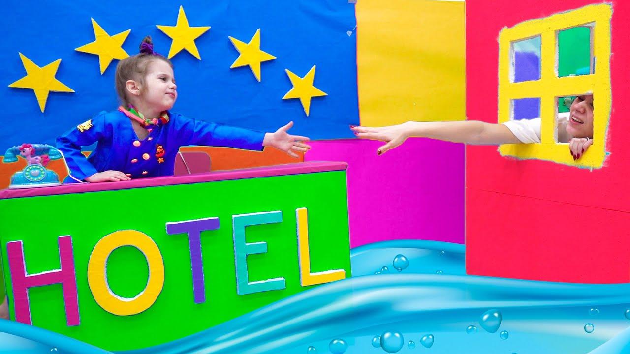 Download होटल ईवा ब्रावो। हव्वा दासी बनने का ढोंग करती है  Hotel Eva Bravo. Eve pretends to be a maid