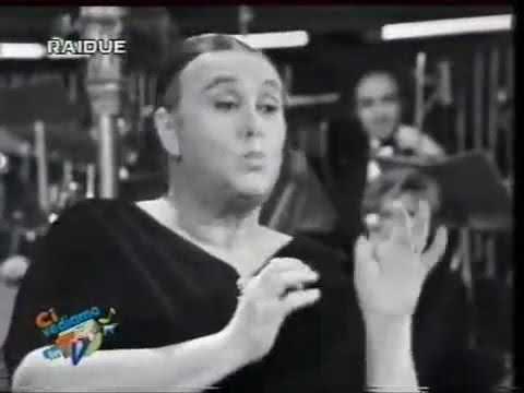Ave Ninchi e Pippo Baudo   La donna ciccia 1972