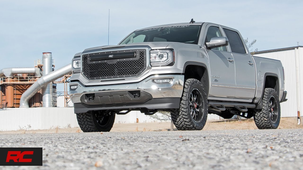 """GM 2500HD 2011-2017 2//4WD 2.5/"""" Front Leveling Kit with Shock Relocation Brackets"""
