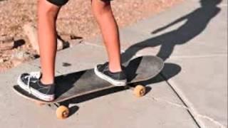 Skateboard rolling sound effect